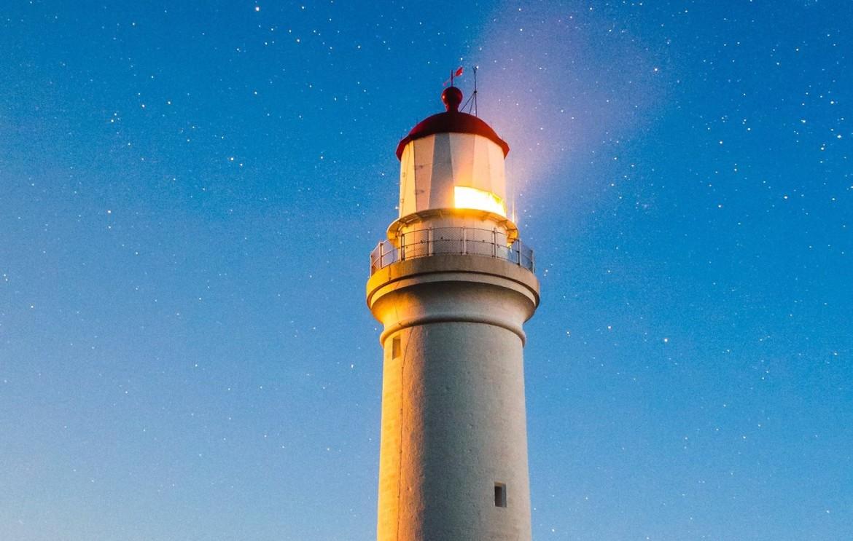 rsz_lighthouse_joshua-hibbert-22841-crop